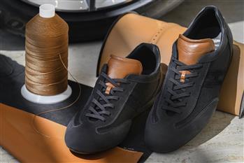 کفشهای لوکس آستون مارتین چقدر قیمت دارد؟