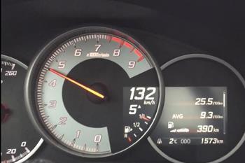 تخت گاز با تویوتا GT86 در اتوبان