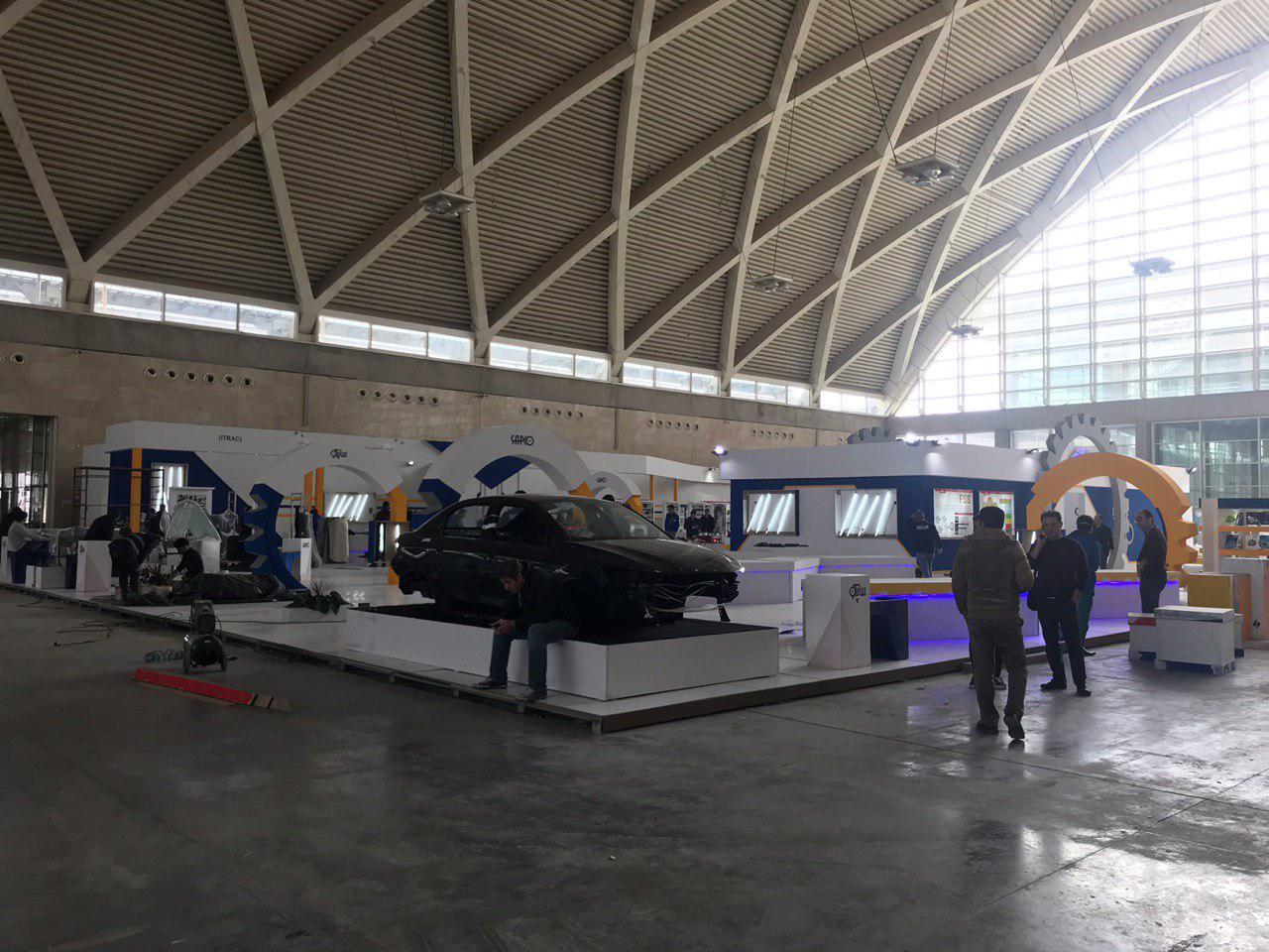 روند غرفه سازی سومین نمایشگاه خودرو تهران