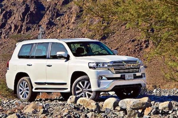 آمار فروش خودرو در کشور امارات، تویوتا لندکروزر از نیسان پاترول پیشی گرفت