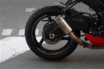 بررسی فنی و حرکتی سوزوکی GSXR-750؛ سامورایی روی دوچرخ - 26