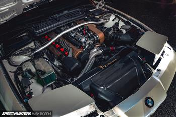 بی ام و 836CSL با موتور بی ام و M5؛ جذابیت بیشتر با وجود سیلندرهای کمتر - 11