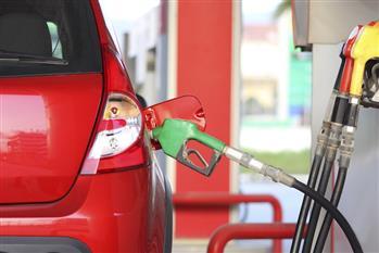 چرا نباید باک بنزین را کاملا پُر کنیم؟ + فیلم