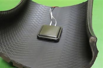 تایر سومیتومو در حین حرکت برق تولید میکند - 1
