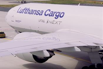 اولین مینی الکتریکی می تواند یک بوئینگ 777  را بکشد + فیلم - 5