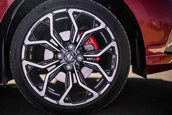 رنو ساندرو RS وارد بازار شد، همدردی مشتریان ایرانی و انگلیسی در حسرت آن! - 1