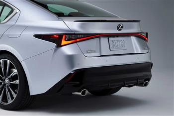 لکسوس IS جدید رونمایی شد؛ طراحی نوین، موتورهای کهن + فیلم - 2
