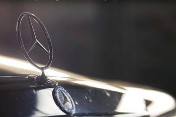 آیا مرسدس بنز 190E نسخه Evo II هنوز یک خودرو اسپرت شایسته است؟ + فیلم - 2