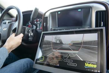 فناوری انقلابی والئو برای افزایش میدان دید رانندگان + فیلم