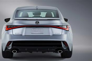 لکسوس IS جدید رونمایی شد؛ طراحی نوین، موتورهای کهن + فیلم - 12