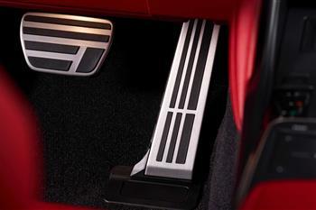 لکسوس IS جدید رونمایی شد؛ طراحی نوین، موتورهای کهن + فیلم - 8