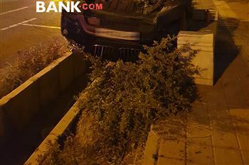 حادثه وحشتناک در ولنجک تهران برای بی ام و X3 + عکس - 1